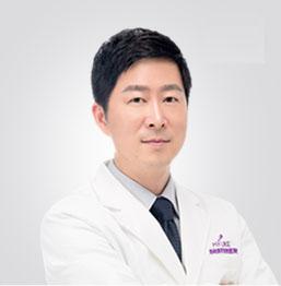 张亮 美容外科主治医师